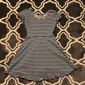 Scooter Brown blue/white stripped girls dress S